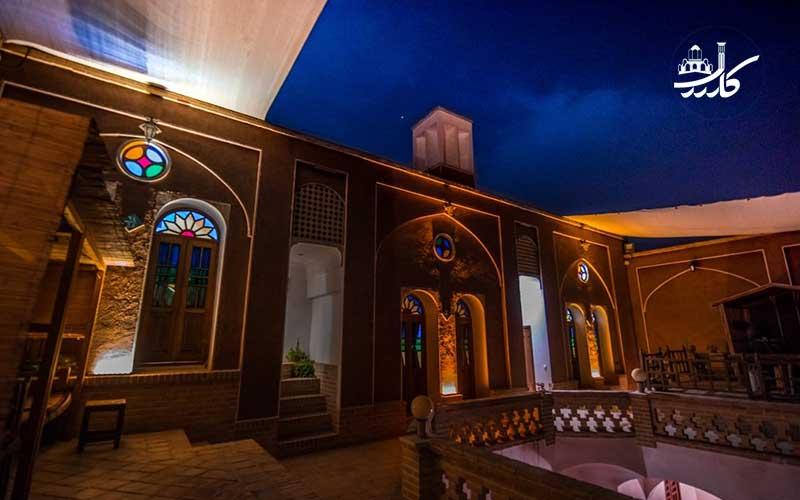 اقامتگاه ثنا کاشان