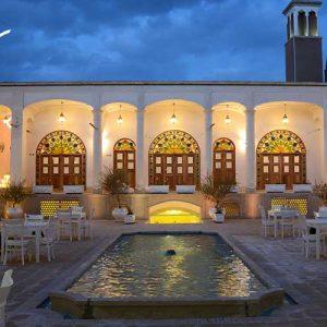 عکس هتل آریانا اسپا کاشان